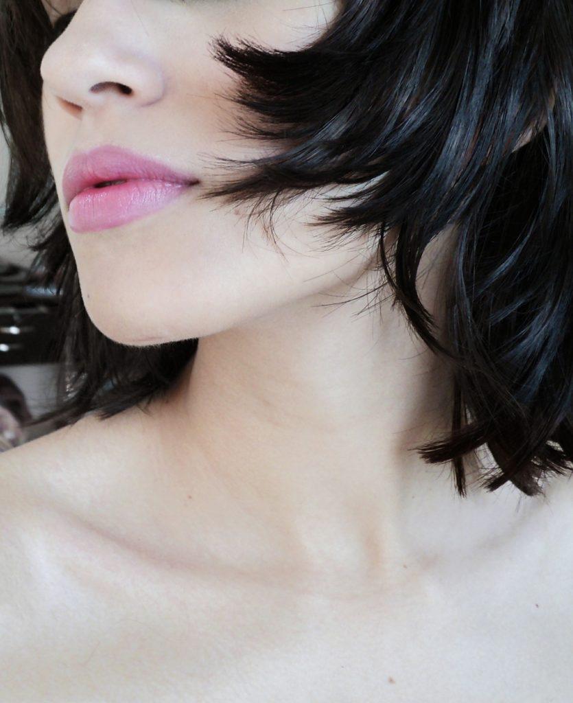肌と髪の画像です