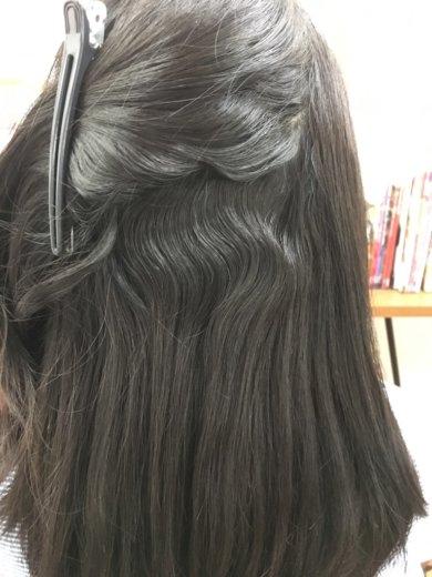 くせ毛で多毛な髪