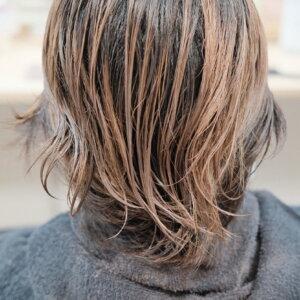 ハイダメージ毛のくせ毛の写真