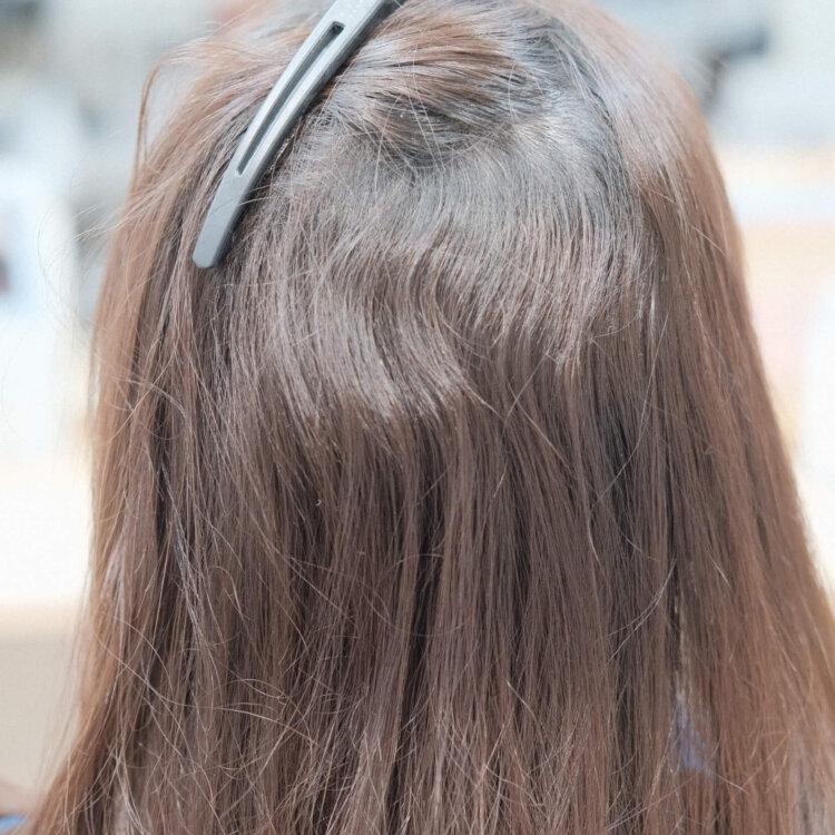 くせ毛の髪