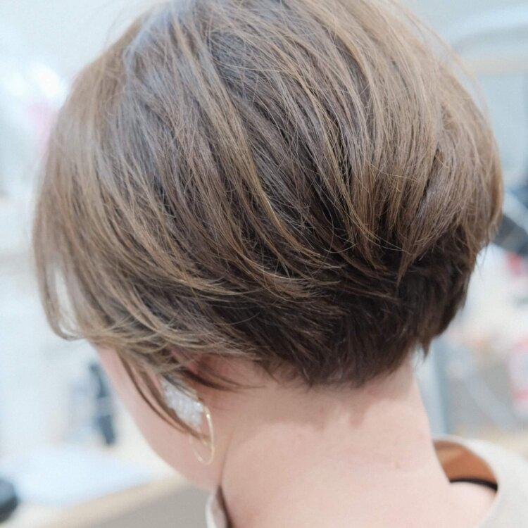 ショートボブのくせ毛
